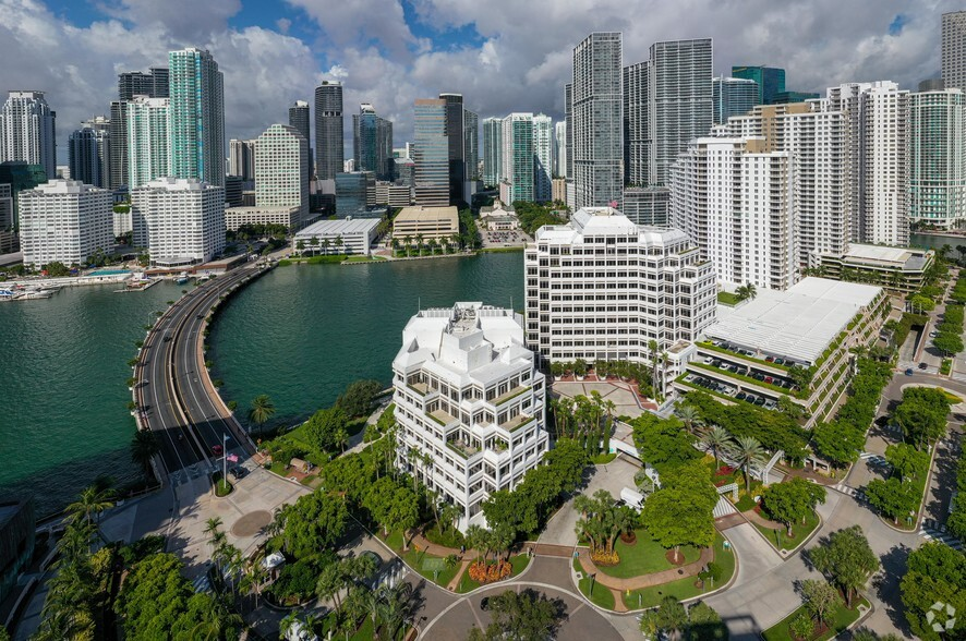 Brickell Key Dr Claughton Island Dr neighborhood of Miami, FL
